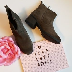 CLARKS NEVELLA BELL TAUPE 8 SUEDE BOOTIES NWT